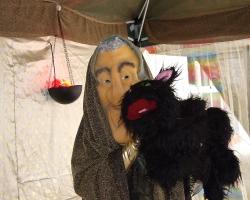La Yaya Maga y su gato Misifú